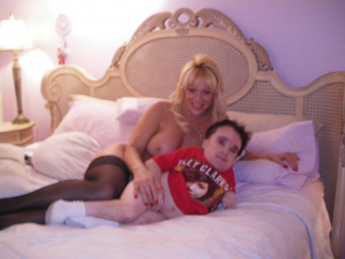 Eric The Midget Nude Photo 3